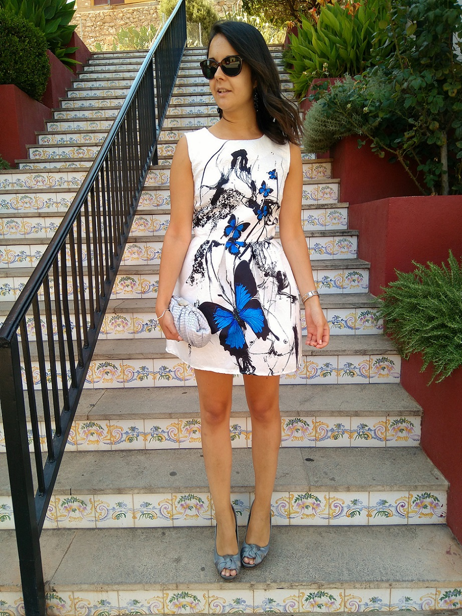 http://zaracabanyes.blogspot.com.es/2016/08/mariposas-azules-look-310.html