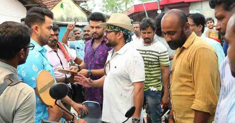 Amar Akbar Antony Film Review - Indian Cinemas Review