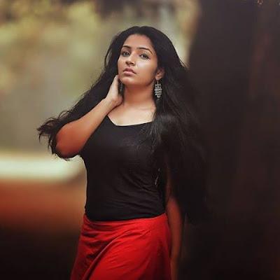 Malayalam hot actress Rejisha vijayan photos