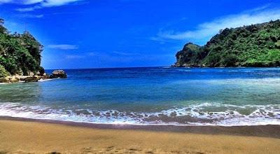 Wisata pantai pangi