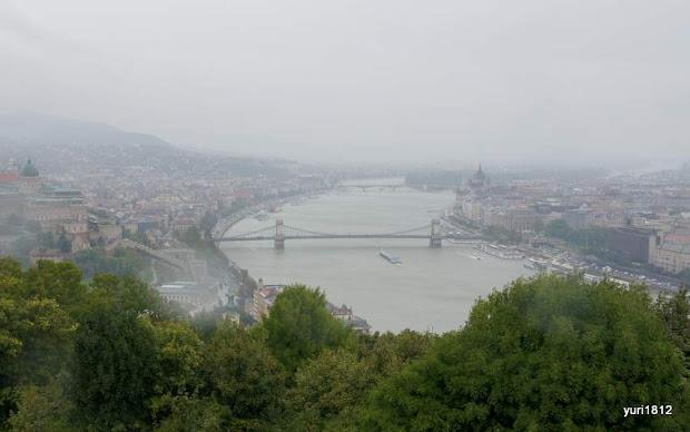 Вид на Дунай и Цепной мост Сечени