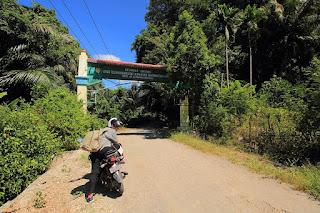 Gerbang masuk ke danau Nefokau