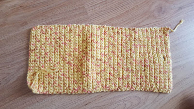 Lined crochet summer purse