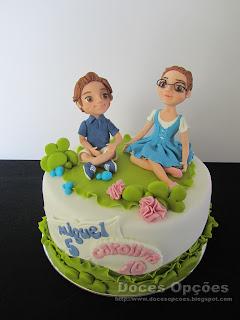 Bolo para o aniversário da Carolina e do Miguel