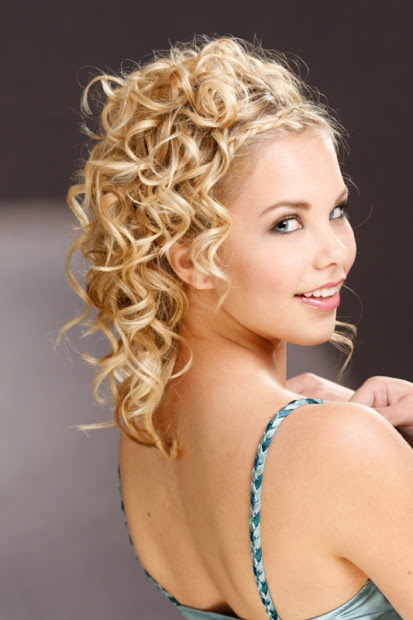 cute medium bridesmaid hairstyles