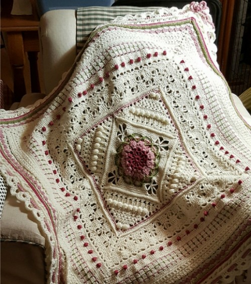Charlotte (Large Crochet Square) - Free Pattern