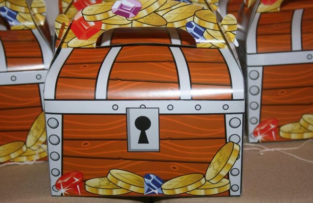 Woodwork Pirate Treasure Box Designs Pdf Plans