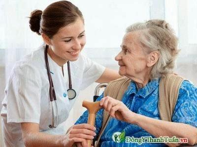 Tuổi già là nguyên nhân thoái hóa khớp