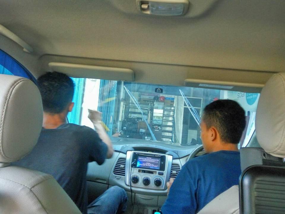 jasa pasang kaca film V-Kool untuk mobil Toyota Agya