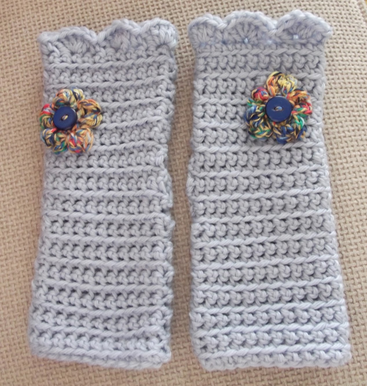 Crochet Wristwarmers Pattern and Tutorial