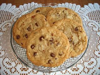... Goddess's Recipe Box: Jumbo Chewy Bakery-Style Chocolate Chip Cookies