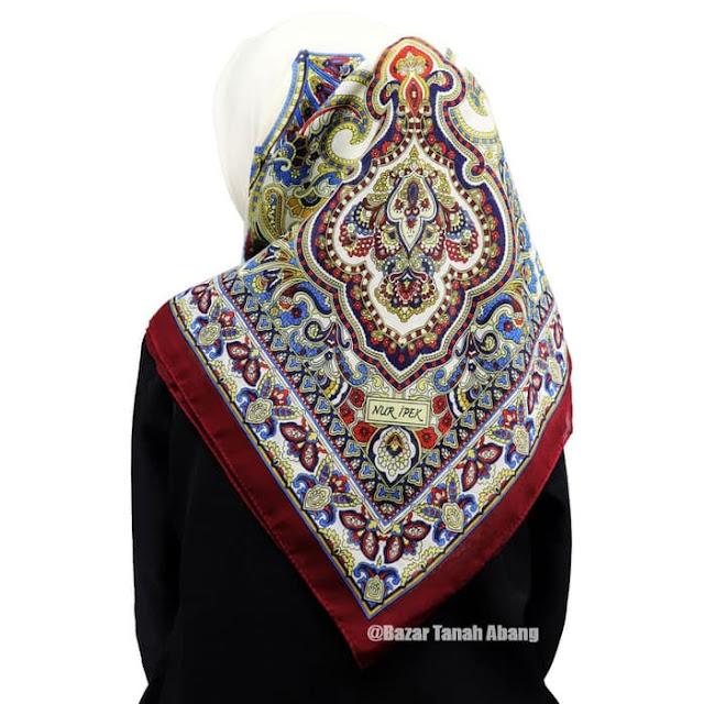Jilbab Segi Empat Turki Murah Katun Premium dari Istambul Turki Merah