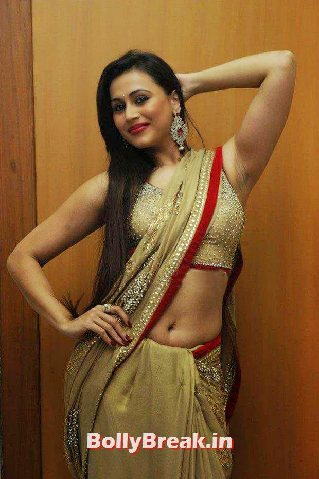 , Very Hot Images of Tamil Actress in Backless Blouse & Saree with Long hair