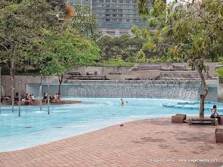 Viagem à moderna e cosmopolita capital da Malásia, Kuala Lumpur. Um exemplo de administração, limpeza e organização.
