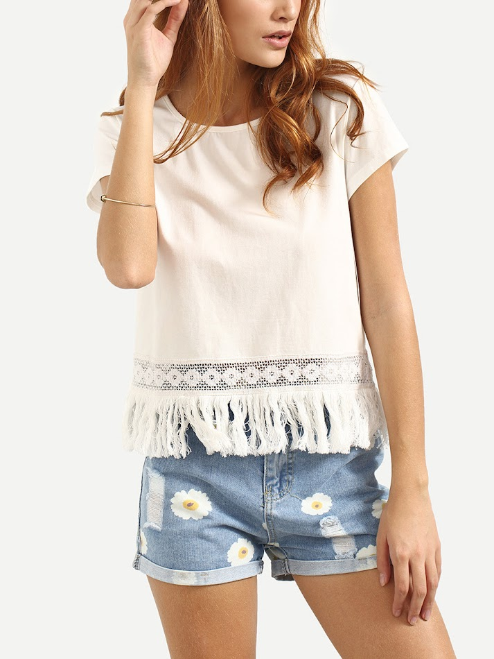 es.romwe.com/White-Short-Sleeve-Hollow-Fringe-Blouse-p-213130-cat-670.html?utm_source=simply2wear.com&utm_medium=blogger&url_from=simply2wear
