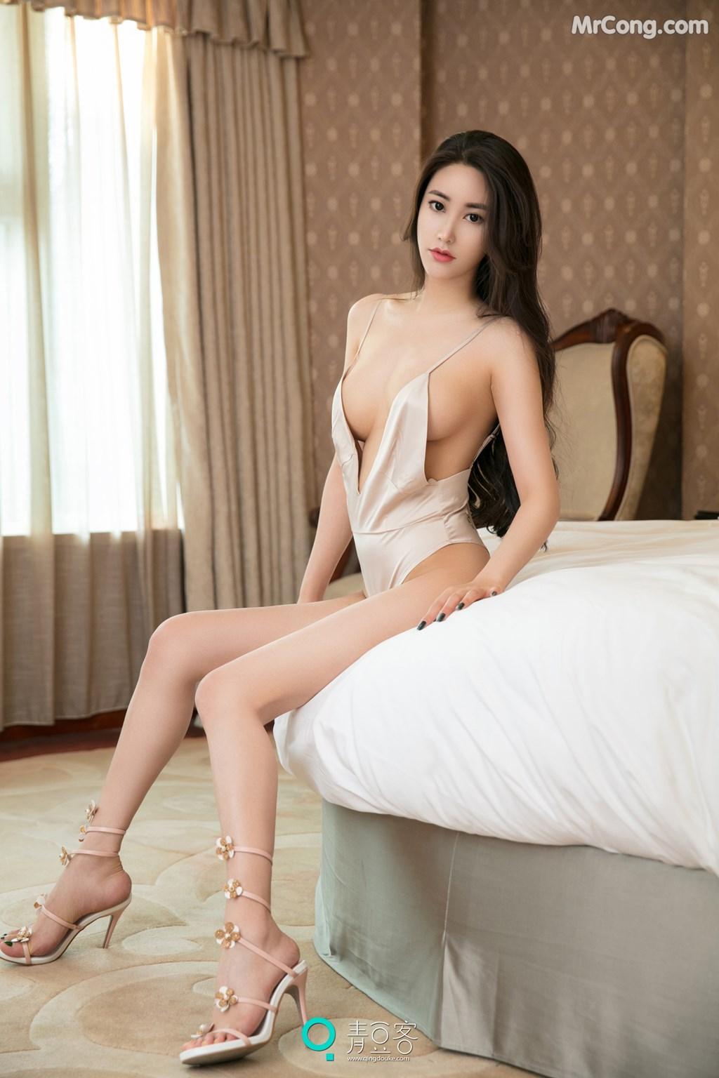 Image QingDouKe-2017-08-03-Mu-Fei-Fei-MrCong.com-025 in post QingDouKe 2017-08-03: Người mẫu Mu Fei Fei (穆菲菲) (53 ảnh)