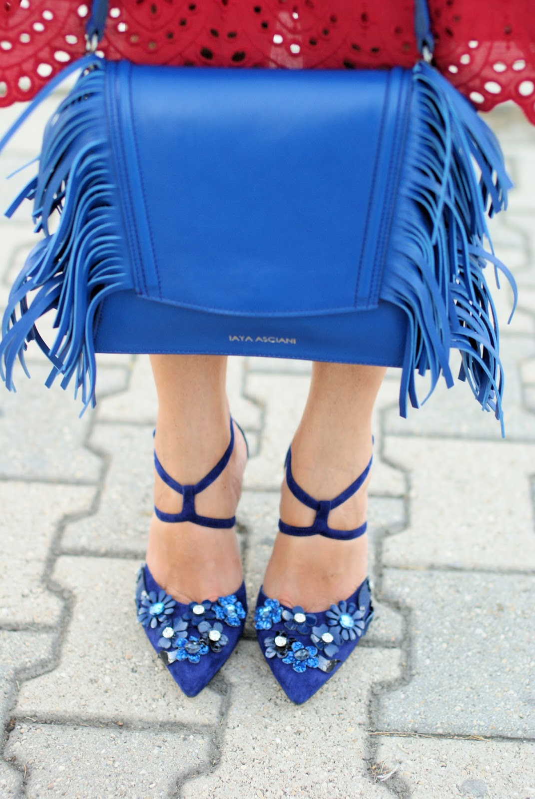 Giancarlo Paoli shoes and Iaya Asciani clutch on Fashion and Cookies fashion blog, fashion blogger style