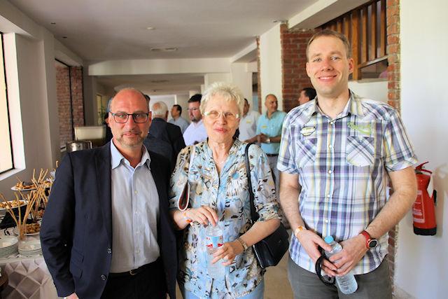 Mario Krug, Vertriebschef von LMX, und JUREBU (C) Matthias Gürtler, ta
