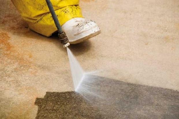 Desatascos Sevilla: Limpieza con agua a presión