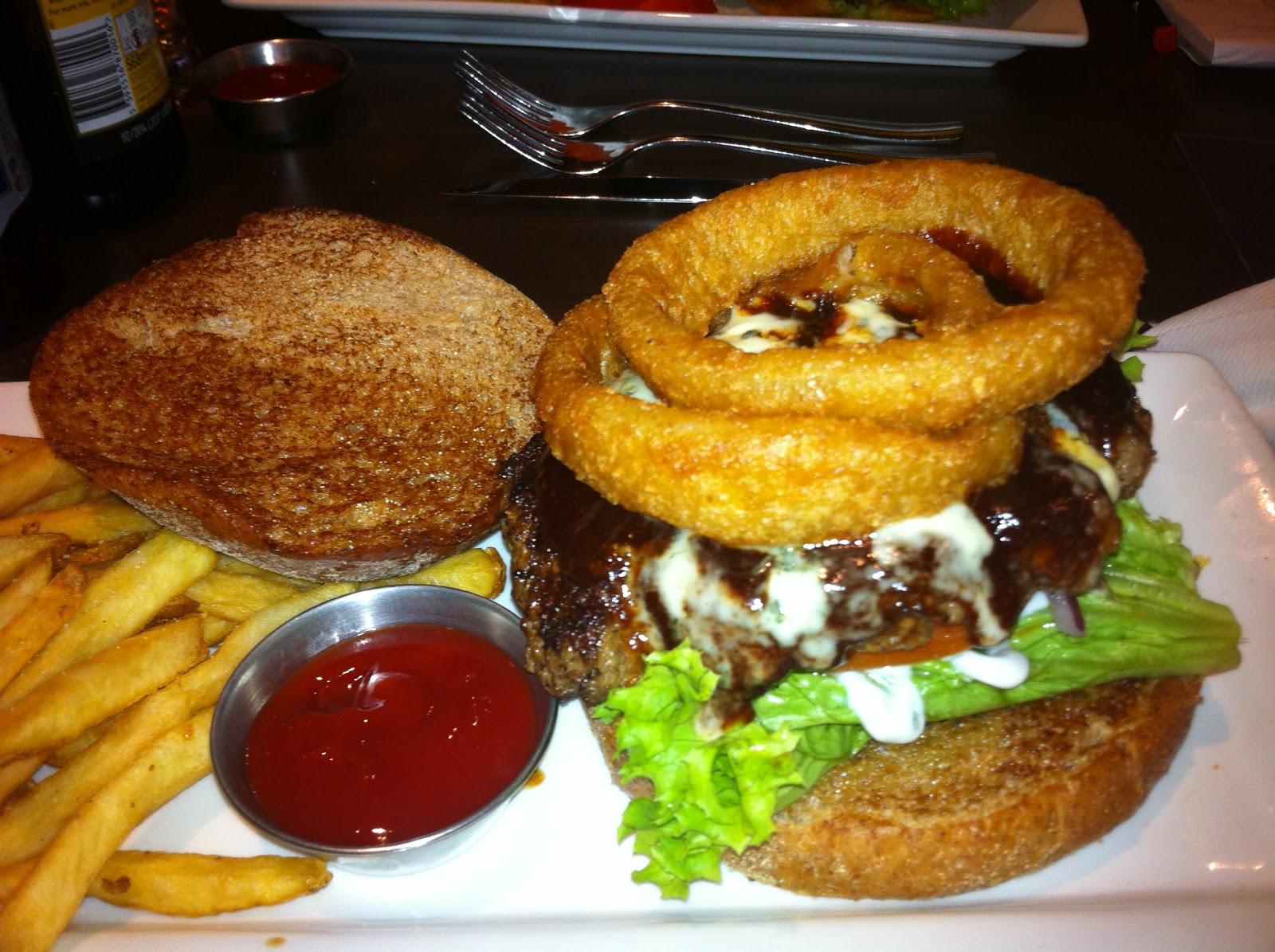 Ruby Tuesday Smokehouse Burger