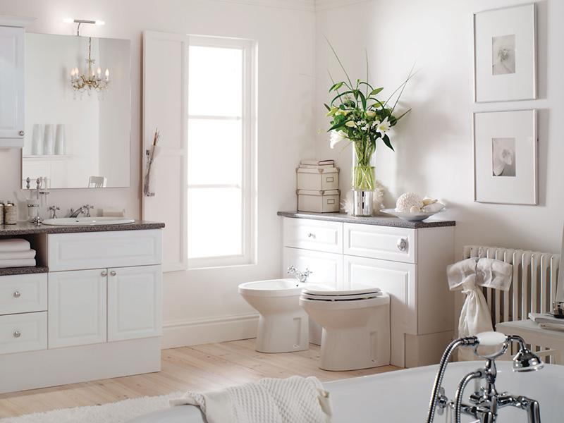 50 Interior Kamar Mandi, Kombinasi Warna Putih Minimalis Modern