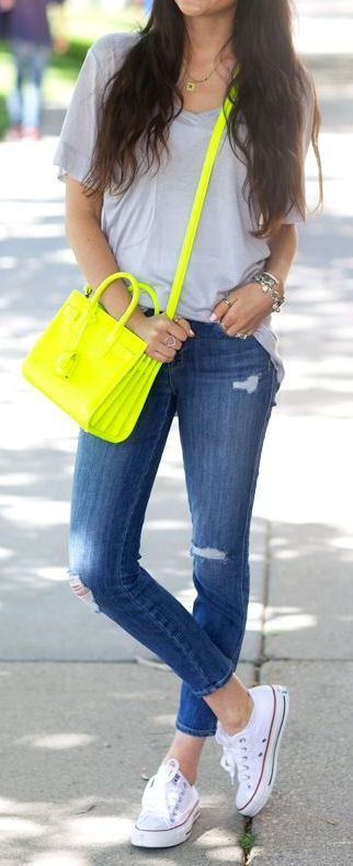 stylish summer outfit idea: top + bag + rips + sneakers