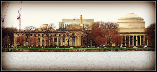 MIT (15 de abril del 2.013) desde la Esplanade