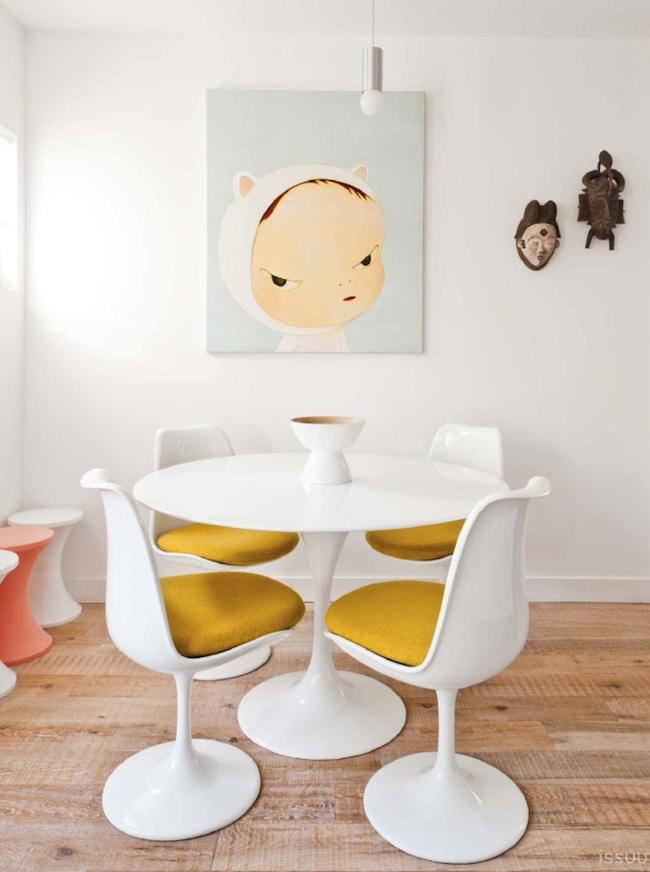 Casinha Colorida Mesas E Cadeiras Tulipa Por Eero Saarinen