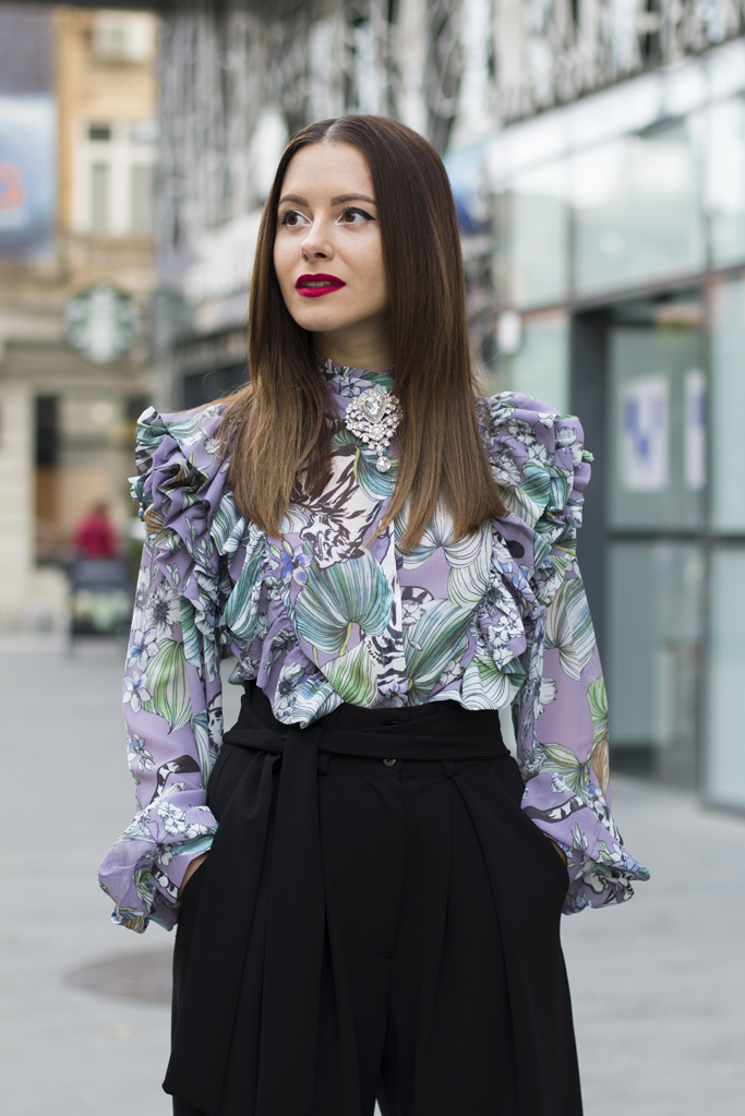 how to wear a ruffled blouse