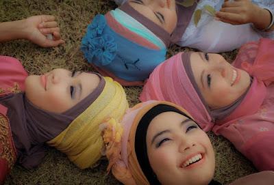 Efek Buruk Memakai Hijab Saat Rambut Masih Basah