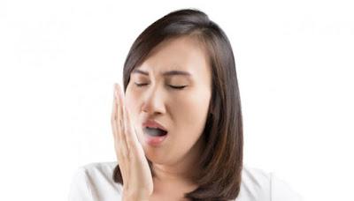 Makanan dan minuman yang harus dihindari biar enggak bau mulut