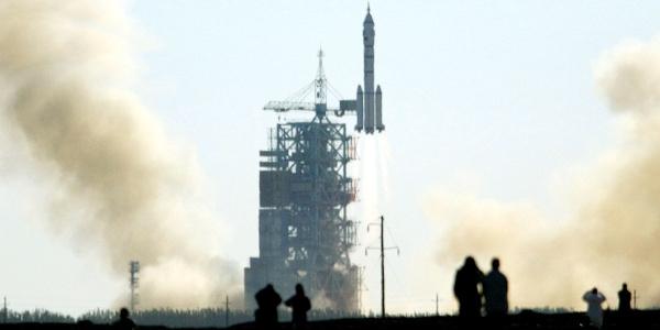 Ποιος ή τι χτυπούσε το διαστημόπλοιο; Τρομοκρατημένος δηλώνει ο πρώτος Κινέζος αστροναύτης από τους ήχους που άκουσε στο διάστημα