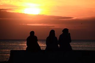 Lima Adab Wajib Bagi Wanita
