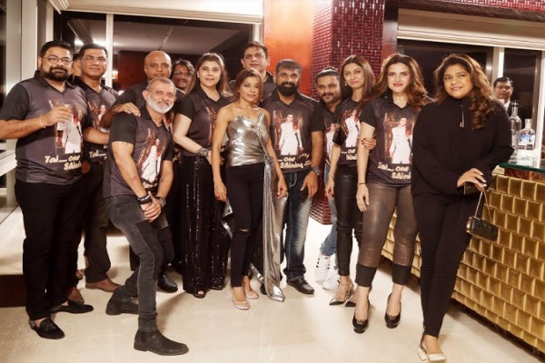Friends & Family bring in Sangeeta Ahir's birthday with a bang