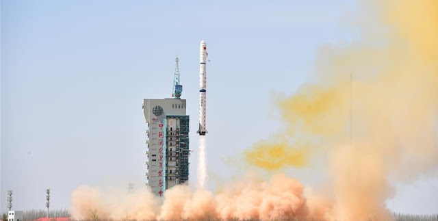 Long March 4C launch on April 10, 2018. Photo Credit: Xinhua/Wang Jiangbo