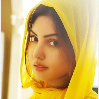 Komal Jha in 3 idiots, contact number, pic, hot pics, ragalahari, hot photos, wiki, hot, songs, movies, bikini, facebook, xnxx, instagram