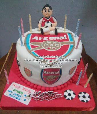 Arsenal Fondant cake Untuk Suami