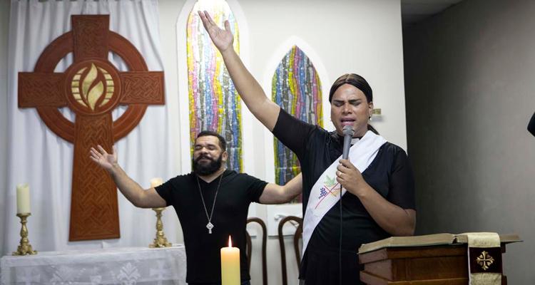 Alexya Salvador, primeira pastora trans do Brasil