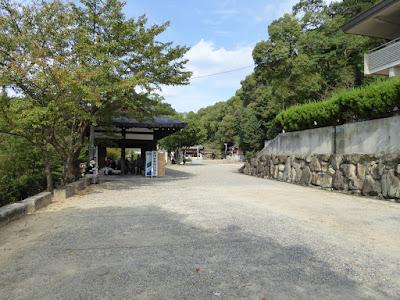 四條畷神社 駐車場