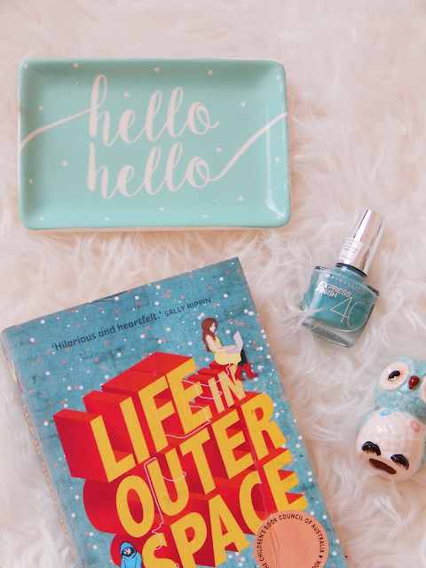 Life In Outer Space Book Review | empoweredinternetwomen