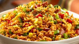 الأرز البرازيلى Arroz de coco بالدجاج وشرائح الجوز الهند
