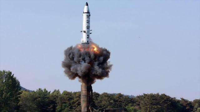 Corea del Norte publica fotos del lanzamiento de misil balístico