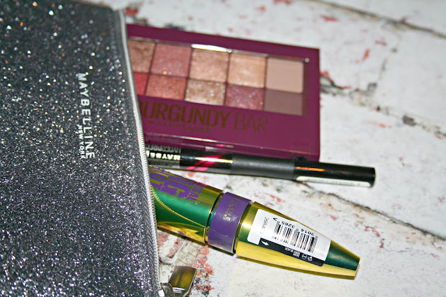 Maybelline Be the Big Shot Gift Set Clutch