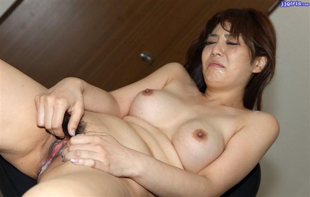 Ảnh sex bắn tinh dịch vào mặt và lồn gái Karen Natsuhara