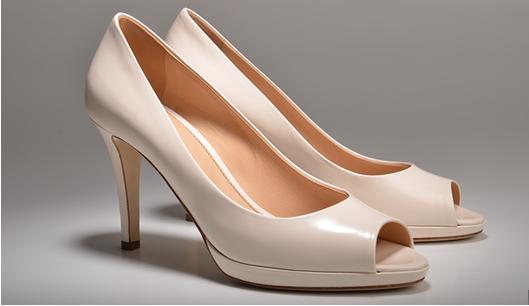 Model sepatu high heels peep-toe heels