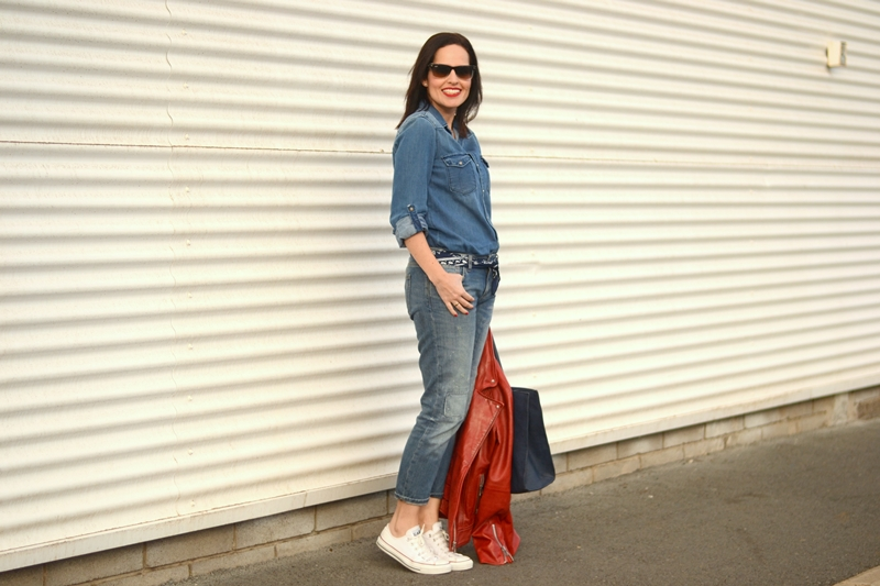 denim-on-denim-converse-outfit-street-style