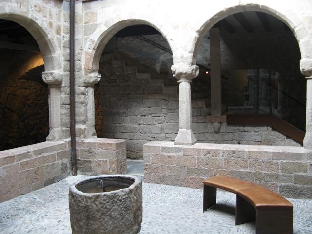 Racó just a la mateixa oficina de turisme de Sant Joan de les Abadesses