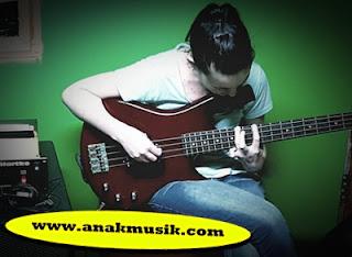Cara Bermain Gitar Bass Reggae Untuk Pemula