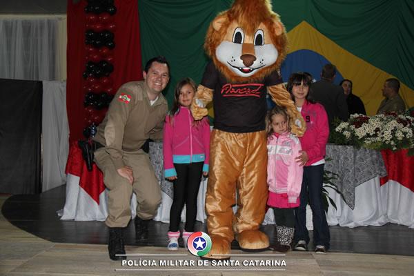 Em Major Vieira, 118 crianças participam de formatura do PROERD