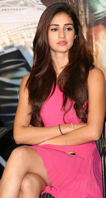 disha patani pretty cute smile hot pic photos pictures images